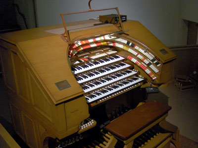 Click here to download a 2032 x 1534 JPG image showing the keydesk of the J. Tyson Forker Memorial 4/32 Mighty WurliTzer Theatre Pipe Organ installed at Grace Baptist Church in Sarasota, Florida.