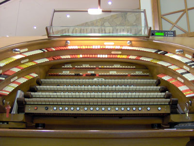 Click here to download a 2032 x 1534 JPG image showing the keydesk of the J. Tyson Forker Memorial 4/32 Mighty WurliTzer Theatre Pipe Organ as seen from floor level.