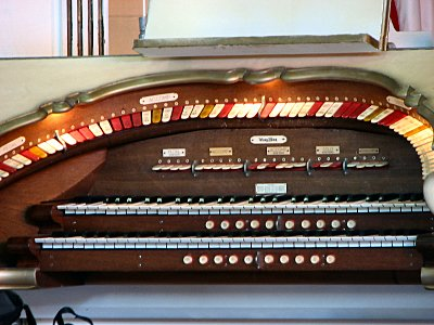 Click here to download a 1600 x 1200 JPG image showing the stop sweep of the 2/10 Mighty WurliTzer Theatre Pipe Organ installed at the Republic of West Florida Museum in Jackson, Louisiana.
