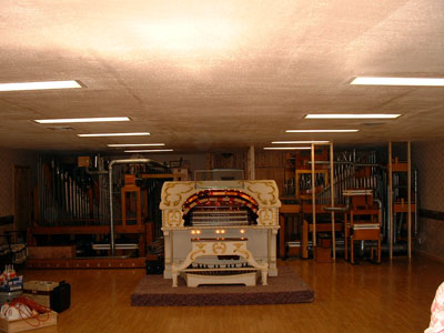 Click here to download a 1280 x 960 JPG image of Pipe Organ Paradise before the wall went up.