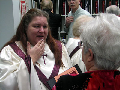 Click here to download a 640 x 480 JPG image showing Kimmy in the choir room after her first performance at the First United Methodist Church in Clearwater, Florida.