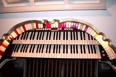 Click here to download a 2160 x 1440 JPG image showing the stop sweep of the 2/11 Mighty WurliTzer Theatre Pipe Organ at the Lafayette Theatre that Eugene played for the songs below.