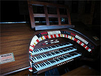 Featured Organ For The Month Of October, 2006 - The 3/10 Mighty WurliTzer installed at the Marion Palace Theatre in Marion, Ohio.
