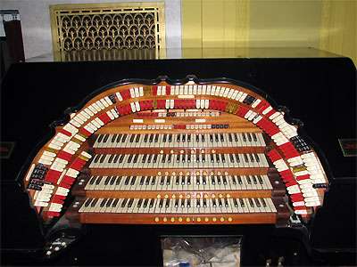 Click here to download a 2592 x 1944 JPG image showing the stop sweep of the Mighty WurliTzer Theatre Pipe Organ installed at the Masonic Temple in Cleveland, Ohio.