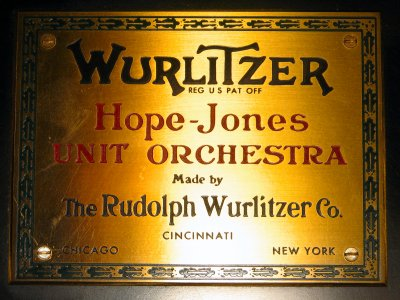 Click here to download a 2592 x 1944 JPG image showing one of the two WurliTzer badges.