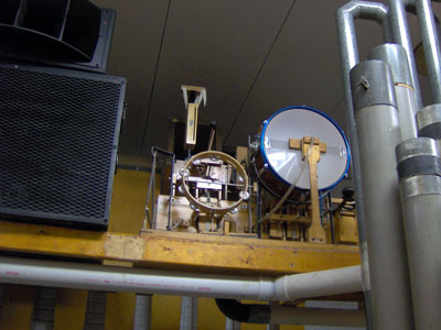 Click here to download a 2048 x 1536 JPG image showing the toys of Bob Markworth's 3/24 Mighty Kimball Theatre Pipe Organ.
