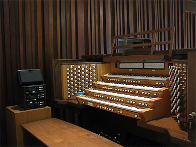 Click here to download a 2592 x 1944 JPG image showing the console of 4/89 Mighty Allen 460S Digital Church Organ installed at the All Faith Chapel at NAWS in Ridgecrest, California.