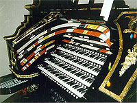 Featured Organ For The Month Of April, 2005 - The 4/80 Mighty WurliTzer installed at Organ Stop Pizza in Mesa, Arizona.