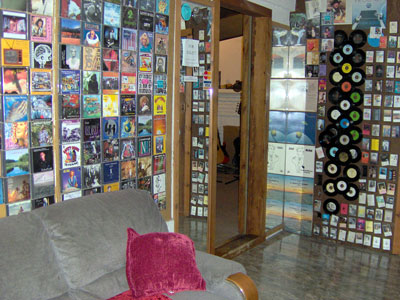 Click here to download a 2046 x 1536 JPG image showing the comfortable lobby at Progressive Media & Music in Tampa, Florida.