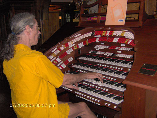 Click here to download a 2048 x 1536 JPG image of the Bone Doctor giving the huge organ a gleeful go.