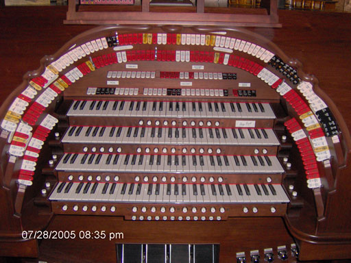 Click here to download a 2048 x 1536 JPG image of the stop sweep of this wonderful organ.