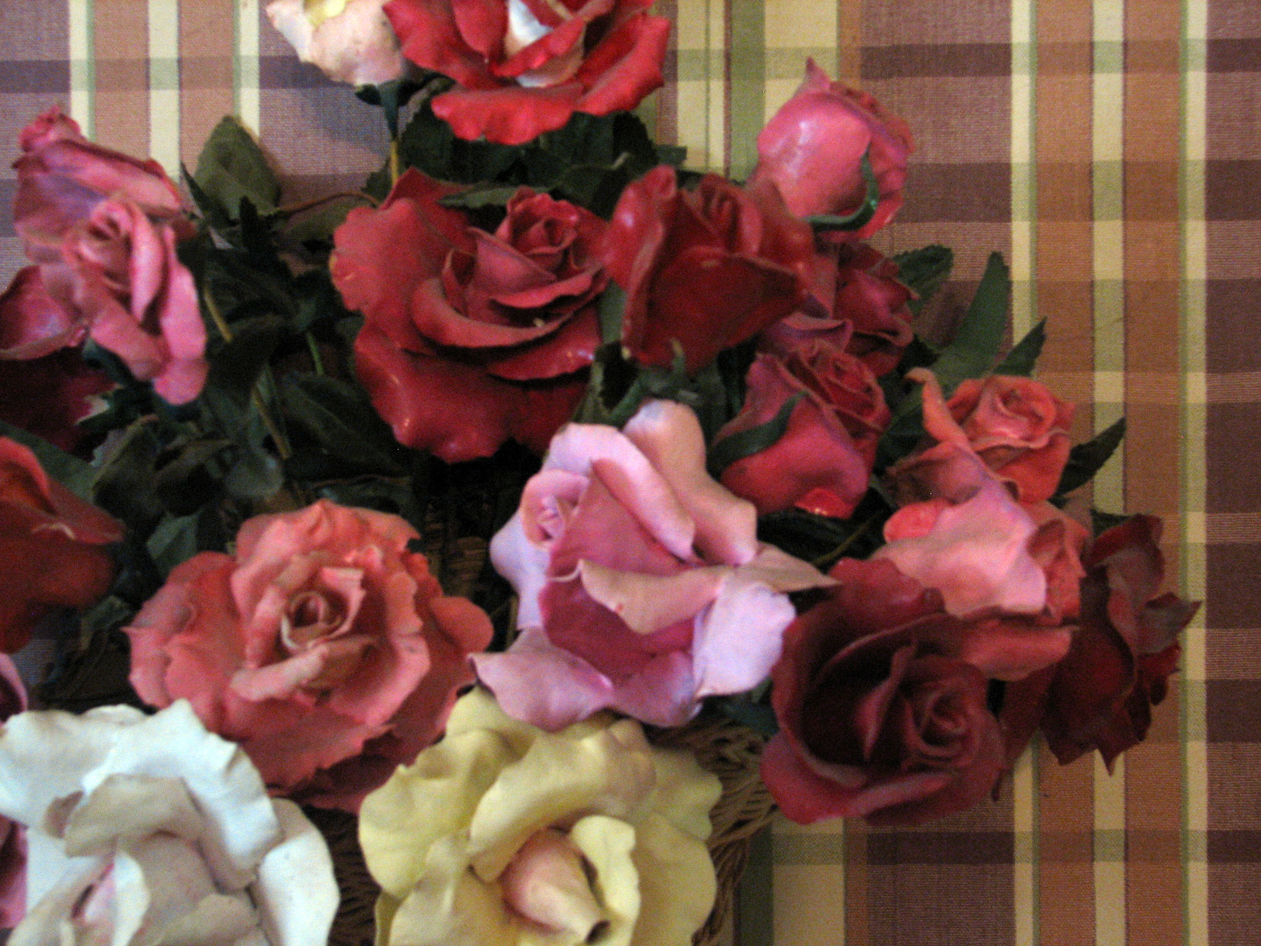 Click here to download a 2592 x 1944 JPG image showing some clay roses Dan made.