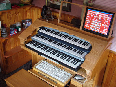 Click here to download a 2592 x 1944 JPG image showing the key desk of Dan Rowland's Mighty MidiTzer.