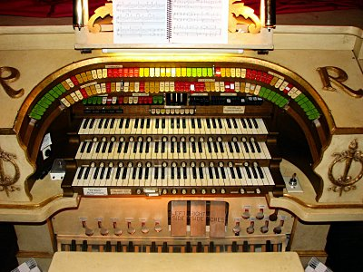 Click here to download a 2816 x 2112 JPG image showing the stop sweep of the 3/11 Mighty Möller Theatre Pipe Organ installed at the Rylander Theatre in Americus, Georgia.