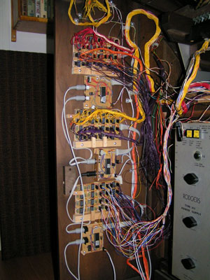 Click here to download a 768 x 1024 JPG image of a detail of the MIDI attachment.