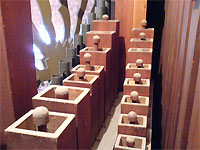 Click here to download a 640 x 480 JPG image showing a rank of wooden Tibias.