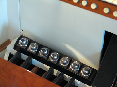 Click here to download a 2592 x 1944 JPG image showing the toe studs and swell shoes of the 3/17 Mighty WurliTzer Theatre Pipe Organ.