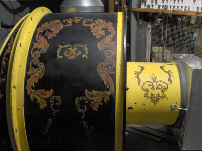 Click here to download a 2048 x 1536 JPG image of the uniquely decorated Spencer blower that breaths life into the 3/14 Mighty WurliTzer Theatre Pipe Organ