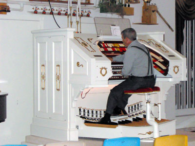 Click here to learn more about Bob Markworth's 3/24 Kimball Theatre Pipe Organ installed in his home in Omaha, Nebraska.