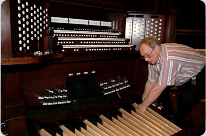 Click here to see a slide show about the installation of the Trinity Organ.