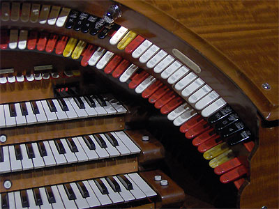 Click here to download a 2048 x 1536 JPG image showing the Solo stops of the 3/16 Mighty WurliTzer Theatre Pipe Organ installed at Tom Worthington High School, Columbus, Ohio.